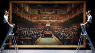 شامپانزهها در پارلمان بریتانیا: نقاشی بنکسی بیش از ده میلیون دلار بفروش رفت