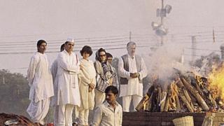 راجیو گاندھی اور سونیا گاندھی کے درمیان پرینکا گاندھی
