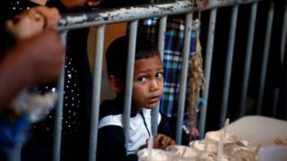 Un niño migrante en México.