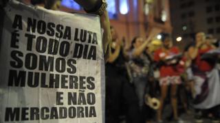 Protesto no Dia Internacional de Combate à Violência contra a Mulher no Rio, em 21 de novembro de 2015