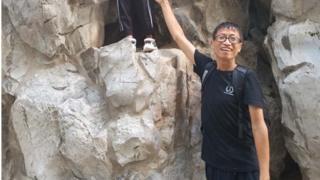 com uma esposa grávida de sete meses em casa, Li está ansioso por momentos mais felizes.