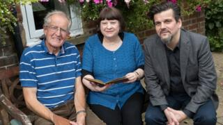 David Newton (left), Lesley Handly (middle) and Danny Curran of Finders International (right)