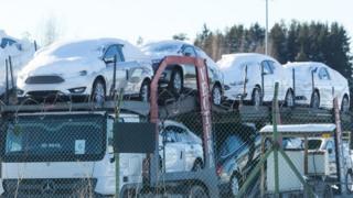 Машины Ford в снегу