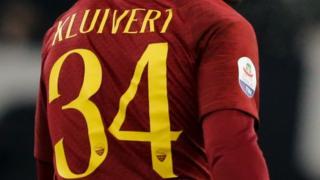 Justin Kluivert con el número 34 en la espalda.