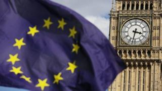 الحكومة البريطانية تجهز ردا رسميا على قرار قضائي بضرورة تصويت البرلمان على عملية خروج البلاد من الاتحاد الأوروبي