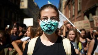 """ما هي حركة """" التمرد ضد الانقراض""""؟"""