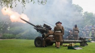 Gun salute in York