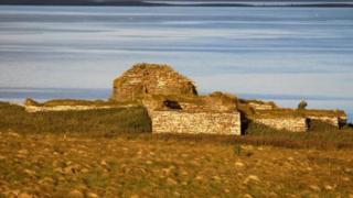स्कॉटलैंड का आइनहैलो द्वीप
