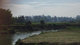 2017年9月7日,若开邦高杜扎拉村冒出浓烟