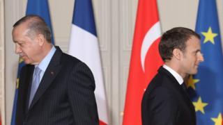 президенты Турции и Франции Реджеп Тайип Эрдоган и Эммануэль Макрон