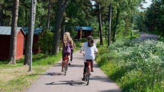تعتزم الحكومة الفنلندية إصدار قوانين جديدة تتيح للمواطنين تبكير مواعيد الحضور والانصراف، وادخار أيام الإجازات وتخصيص أوقات لممارسة التمرينات الرياضية