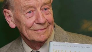 حاز ويليام تريفر سنة 1994 على جائزة ويتبراد ، ورشح مرات عديدة لجائزة مان بوكر
