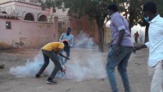 اعتقل المئات خلال المظاهرات التي تطالب باستقالة البشير