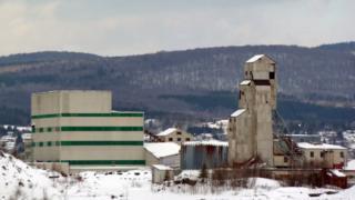 Un complejo industrial de Asbestos