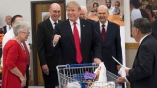 Дональд Трамп у супермаркеті