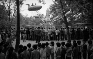 Gužva na vašaru, Šangaj 1985.