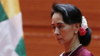 Bà Aung San Suu Kyi đối mặt với chỉ trích quốc tế