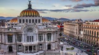 Mexiko şəhəri Latın Amerikasının ən müasir və kosmopolit şəhərlərindən biri hesab olunur