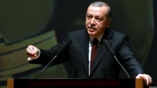 Erdogan mengatakan Turki menolak diancam ataupun mengkompromikan kemandirian badan peradilannya.