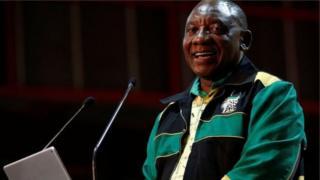 Hogaamiyaha xisbiga ANC Cyril Ramaphosa.