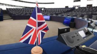 Britanija i Evropa će bar još neko vreme da idu zajedno ruku pod ruku