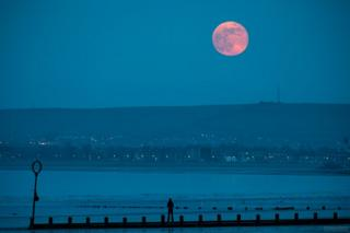 Gavin Dougan took this photo of Friday's pink moon rising from Portobello beach in Edinburgh.