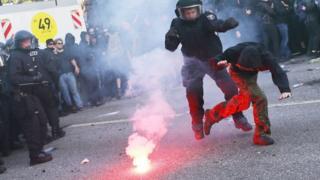 پلیس آلمان و معترضان