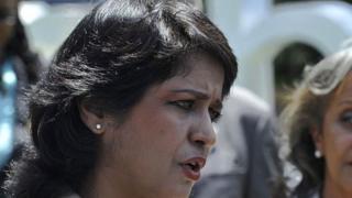 Ameenah Gurib-fakim refuse de remettre sa démission suite à un scandale financier.