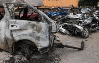 最近一起車禍,皮卡裝上小客車,25人喪生