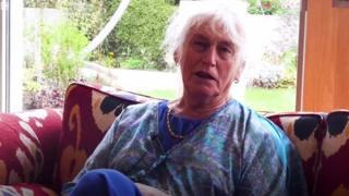 Рут Роуз зробила операцію зі зміни статі у 81 рік