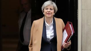 Theresa May, le Premier ministre britannique au moment d'aller faire une déclaration à la Chambre des Communes