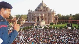અક્ષરધામ મંદિર પરિસર