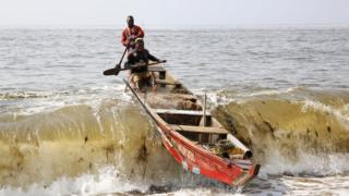 in_pictures Fishermen from sea in Abidjan, Ivory Coast - Wednesday 20 November 2019