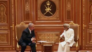 كتاب يقولون إن سماء الخليج ضاقت من كثرة الضيوف الإسرائيليين