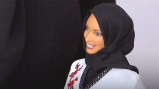 Прототипом Барби в хиджабе стала фехтовальщица Ибтихадж Мухаммад.