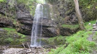 Henrhyd Falls from below