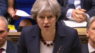 """英國首相特里莎·梅希望這些制裁措施,向莫斯科發出""""明確信號""""。"""