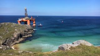 Rig on beach on Isle of Lewis