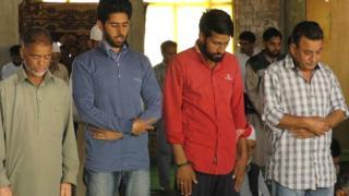 एक साथ नमाज़, कश्मीर