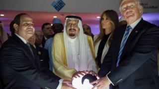 دونالد ترامپ در عربستان با رهبران کشورهای اسلامی دیدار کرد
