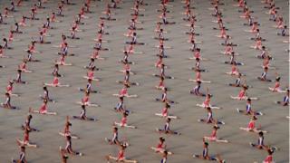 ООН заявляет, что детей заставляют непосредственно участвовать в фестивале или помогать в его подготовке