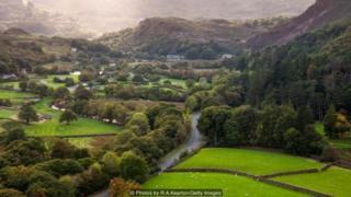 Kata cwtch merupakan konsep yang sangat Welsh dan bisa membangkitkan rasa akan rumah.