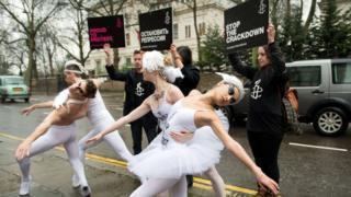 протетст перед посольством России в Лондоне, 2014 год
