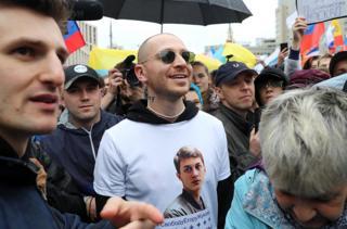 Оксимирон (Мирон Федоров) на митинге в поддержку оппозиционных кандидатов в Мосгордуму