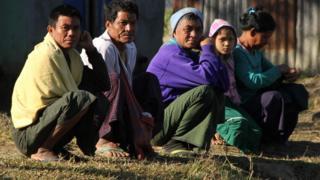 တပ်မတော်နဲ့ အေအေတိုက်ပွဲတွေကြောင့် ထွက်ပြေးတိမ်းရှောင်နေရတဲ့ ကျေးရွာသားများ
