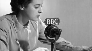Mulher em transmissão da BBC