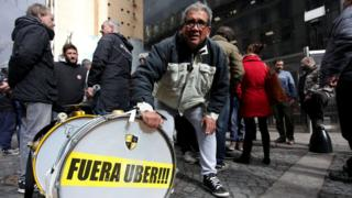 Protesta contra Uber en Argentina