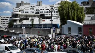 Large protest outside Robert Debre hospital in Paris