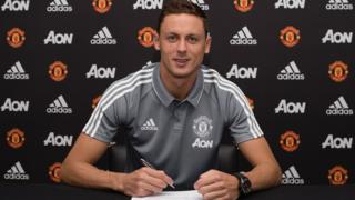 Nemanja Matic a rejoint Manchester United pour trois saisons et près de 45 millions d'euros.