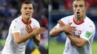 """Xhaka y Shaqiri hicieron el gesto del """"águila bicéfala""""."""